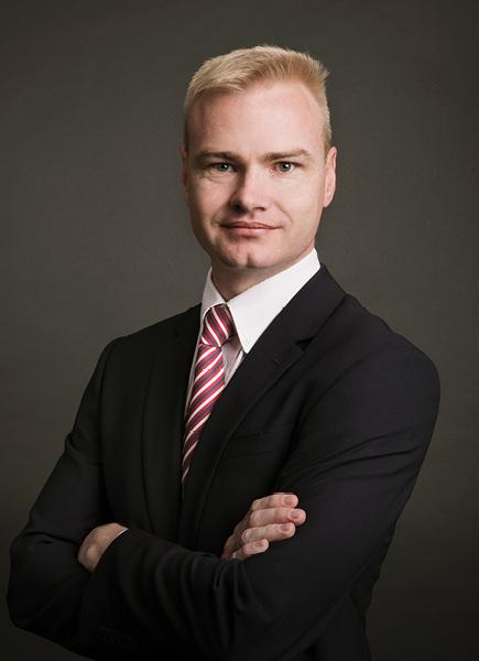 Saltzman Attorneys Associate - Louis Kitching